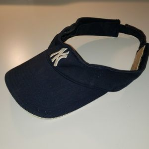 Yankee visor